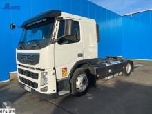 Vrachtwagen met aanhanger autotransporter Volvo FM