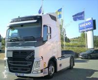 Trekker Volvo FH13 500 tweedehands gevaarlijke stoffen / vervoer gevaarlijke stoffen