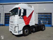 Volvo tractor unit FH
