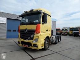 Cabeza tractora Mercedes Actros 3351 usada
