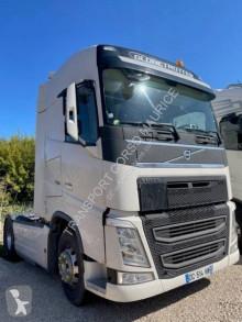 Trekker Volvo FH 500 tweedehands gevaarlijke stoffen / vervoer gevaarlijke stoffen