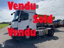 Renault T-Series 460 tractor unit damaged
