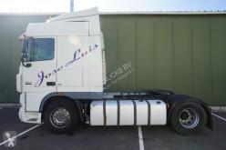 Cabeza tractora DAF XF105 usada