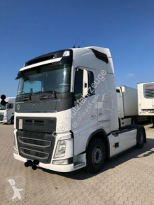 Volvo FH FH460 Globetrotter- 2 Tanks- ACC- new service tractor unit used