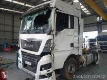 Tracteur MAN TGX accidenté