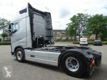 Voir les photos Tracteur Volvo FH