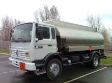 Renault Gamme M 210 truck used oil/fuel tanker