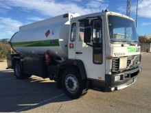 Volvo truck used oil/fuel tanker