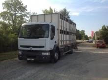 Camion bétaillère Renault Premium 320.19