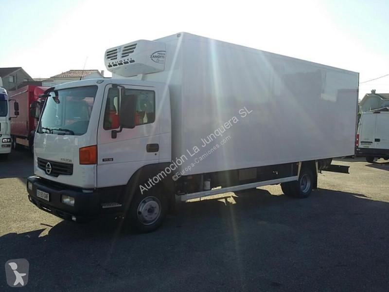 Voir les photos Camion Nissan Atleon 95.19