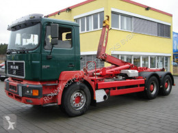 MAN hook arm system truck 26.403 E69 6x2, Marrell 26.70, AHK eFH.