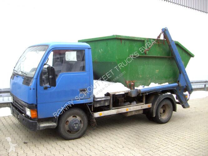 Voir les photos Camion Mitsubishi Canter 4x2  eFH.