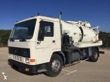 Camión cisterna usado Volvo FL7 240