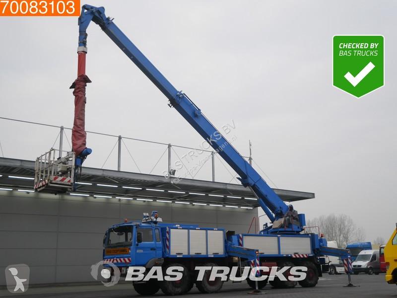 Voir les photos Camion Thomas Nacelle 35 meters Aerial platform