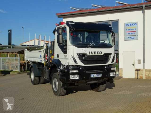 Voir les photos Camion Iveco AD190T33W 4x4 Kipper + Kran Fassi F120 + Funk
