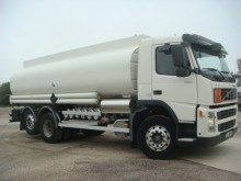Camion Volvo FM12 380 citerne hydrocarbures occasion