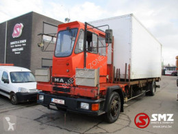 Camión furgón MAN 18.272 ijzertransport/steel Transport