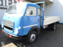 Camion plateau Iveco FIAT OM Lupetto 25 , Oldtimer , Italian Truck