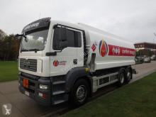 camión cisterna productos químicos MAN