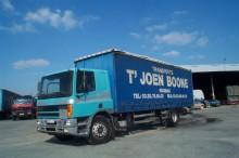 DAF függönyponyvaroló teherautó