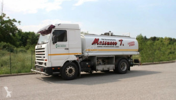 camion laveuse Scania