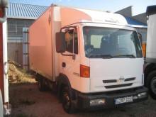 Teherautó Nissan Atleon 110.56 használt furgon
