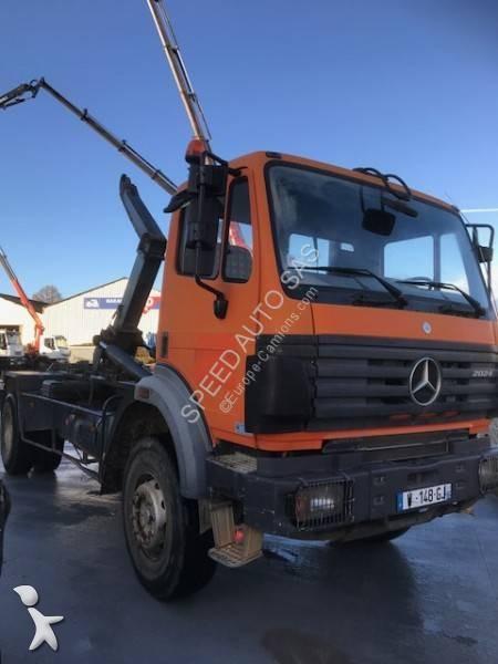 Voir les photos Camion Mercedes 2024