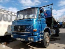 Camion benne Renault 300