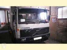 Camion Volvo FL614 fourgon occasion