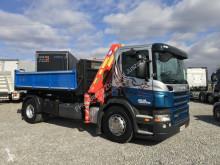 camion Scania P94 R230 3-stronny kiper + dzwig HMF
