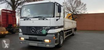 Camión Mercedes 1831 Pritsche Kran German Truck caja abierta teleros usado