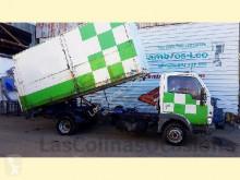 camion benne Nissan