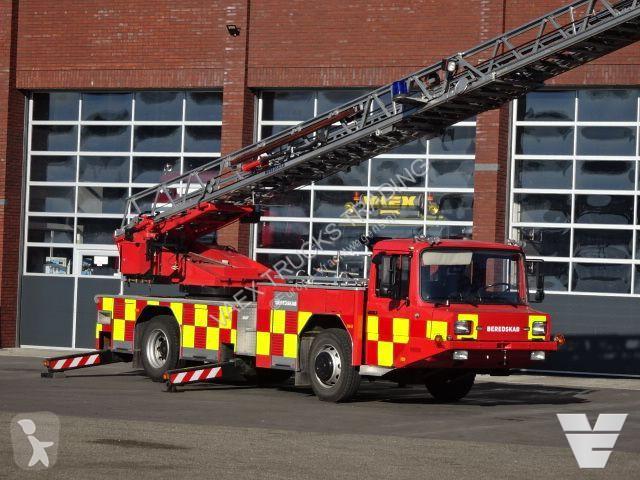Voir les photos Camion Magirus Fire department truck / ladder truck 30 Mtr