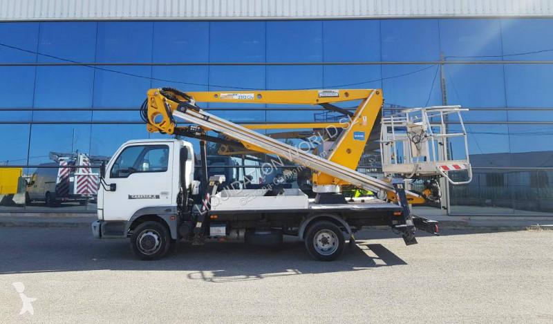 Voir les photos Camion Nissan Cabstar oilandsteel 21m versalift-france elevateur