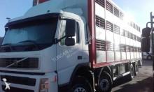 kamion vůz pro přepravu dobytka Volvo