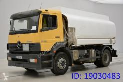 Camion citerne produits chimiques Mercedes Atego