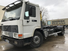 Camion Volvo FL7 polybenne occasion