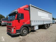 vrachtwagen met huifzeil Volvo