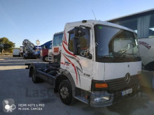 camión nc MERCEDES-BENZ - ARTEGO 815