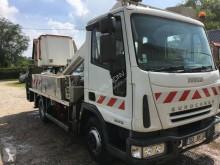Camion nacelle articulée télescopique Iveco Eurocargo 65 E 13