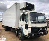 teherautó Volvo FL615
