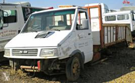 Camión caja abierta Iveco 3581