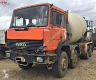 Iveco concrete mixer truck 320.32