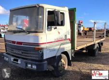 Camión caja abierta Nissan L60