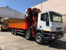 Camion plateau Iveco Trakker 380