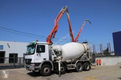 Camion pompe à béton Mercedes Actros 3241
