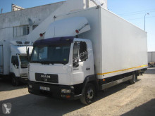 Used box truck MAN LE 12.224