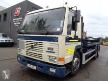 Camion châssis Volvo FL12 340