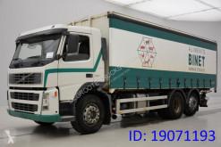 Volvo függönyponyvaroló teherautó FM12