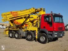 Camion béton malaxeur + pompe Iveco Trakker AD 410 T 38